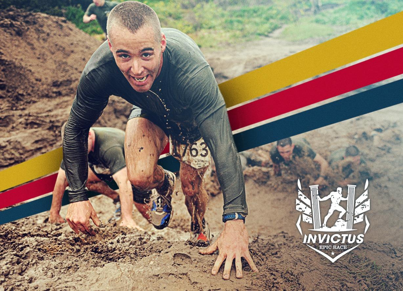 Immagine raffigurante un atleta di OCR nel fango